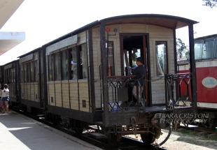 The local train to Trai Mat