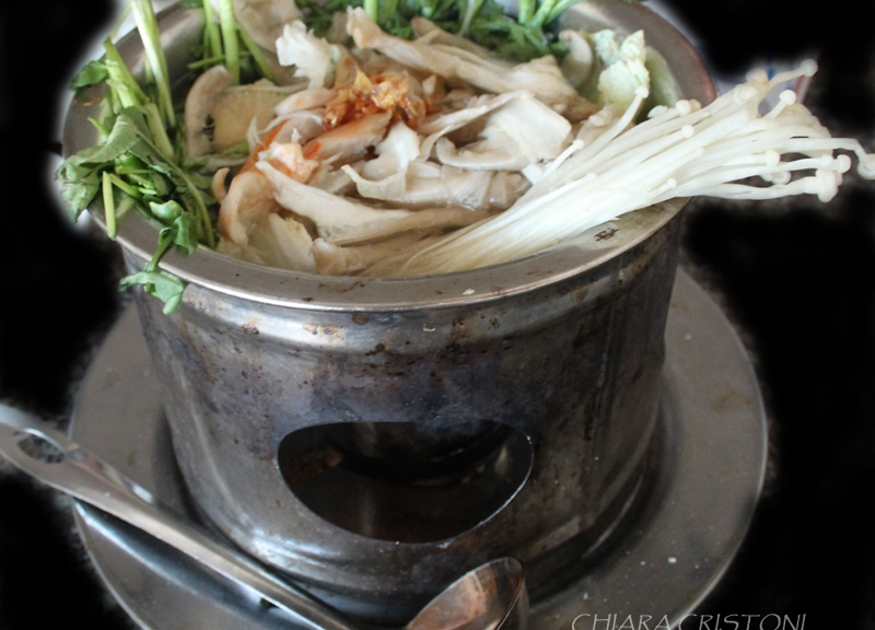 Chicken hotpot with mushrooms