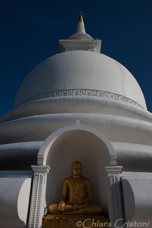 """Unawatuna """"Sri Lanka"""" Japanese Peace Pagoda"""