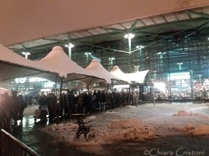 Taxi queue outside Schiphol airport - the first half of the queue was inside