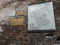 Remains of the Ghetto wall at 55 Sienna Street